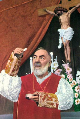 Pio-et-l-Eucharistie