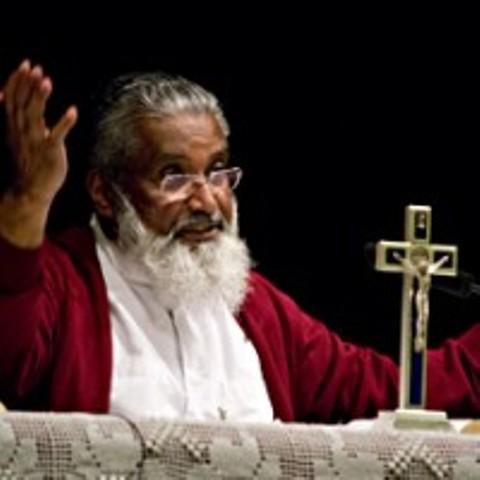 J'AI VU L'ÉTERNITÉ» — Père James Manjackal… une expérience dans le coma qui s'annonce bouleversante. Un témoignage glorifiant… (Vidéo - 2 min) James-valladolid
