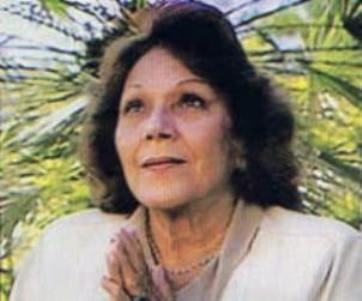 Maria-Esperanza-2