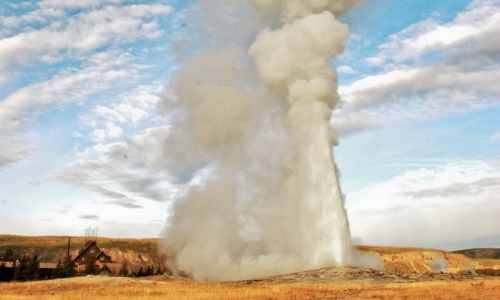 2817_228_Yellowstone_Geysers_Old_Faithful_md