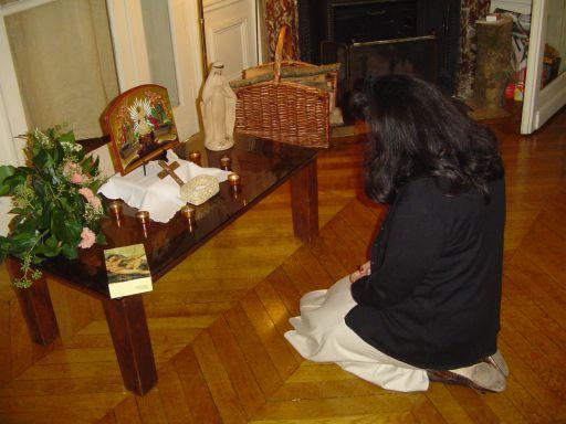 priere devant crucifix