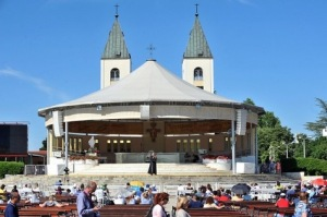 Le-pape-met-en-garde-les-fideles-attaches-aux-messages-venant-de-Medjugorje_article_main