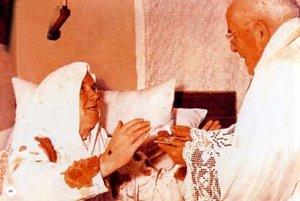 la Bénédiction du prêtre Bdqrbpt4our0-wn0bdznwnawsqe