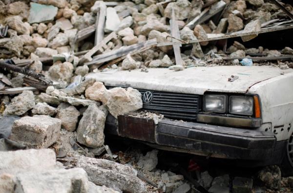 séisme auto enterré