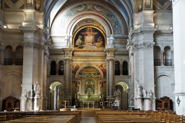 Église_Saint-François-Xavier,_Paris_September_2012