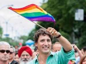 justin-trudeau-mtl-pride-parade-gay-lesbienne-20160814