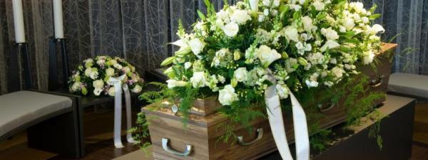 Le respect dû aux morts se perd au Québec et ailleurs dans le monde... Enterrement