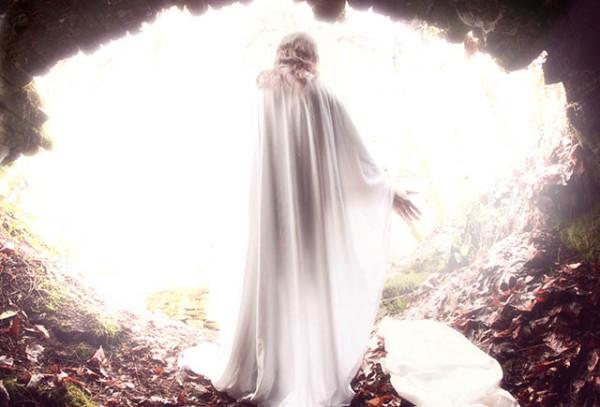 Le respect dû aux morts se perd au Québec et ailleurs dans le monde... Resurrection-jesus