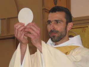 pretre-monastere-coeur-jesus