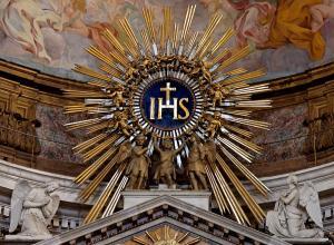 eucharistie-tres-saint-nom-de-jesus-11