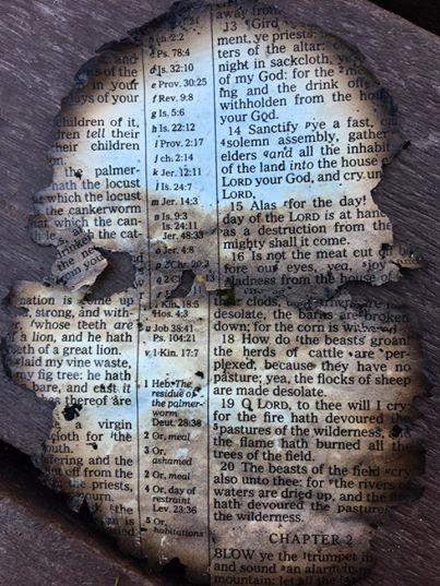 page-devangile-trouve-dans-les-decombres-apres-feu