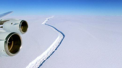 Un immense iceberg est en train de se former dans la Péninsule..... Iceburg