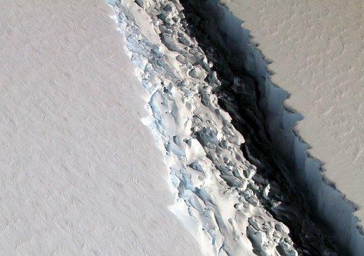 Un immense iceberg est en train de se former dans la Péninsule..... Iceburg1