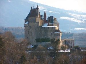 chateau_de_menthon-saint-bernard-605x453