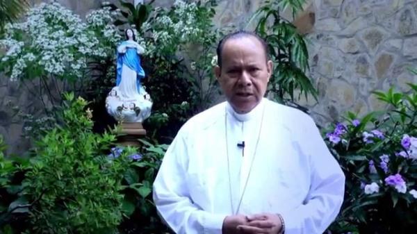 Monseñor Juan Abelardo Mata-luz de maria2