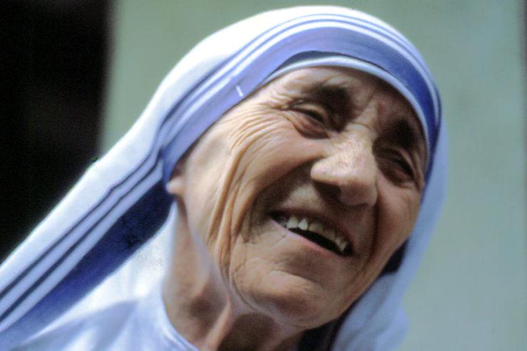 MÈRE Madre_Teresa_2-740x493