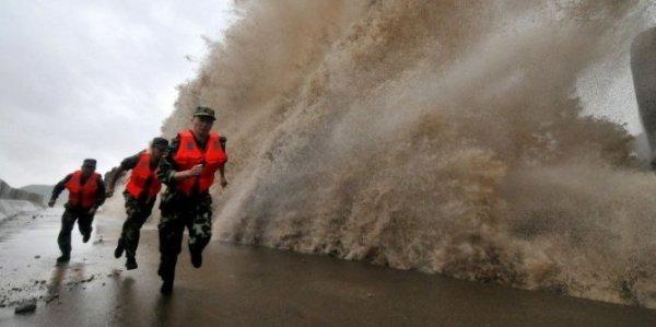 alerte meteorologique-chinoise-a-emis-une-alerte-rouge-le_697945_667x333
