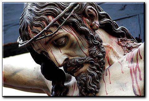 PRIÈRE DE PROTECTION PUISSANTE DU TRÈS PRÉCIEUX SANG DE JÉSUS ♥ Jc3a9sus-ensanglantc3a9-christsurcroix