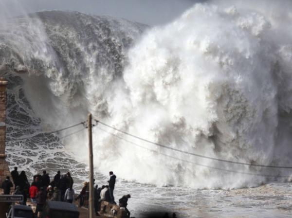 mer en furie océan