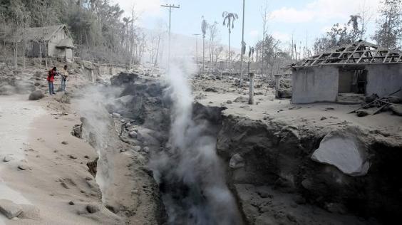 séisme sinabung-eruption-kills-3-may-21-2016-6