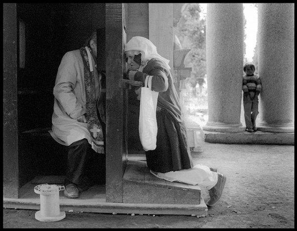Retraite du Père James Manjackal en Martinique - Magnifique ! Confession-albanian_outdoor_confession_t640