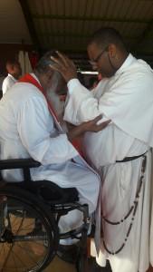 Retraite du Père James Manjackal en Martinique - Magnifique ! Pc3a8re-james-7-effusion