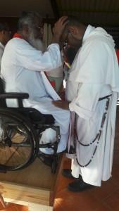 Retraite du Père James Manjackal en Martinique - Magnifique ! Pc3a8re-james-9-effusion