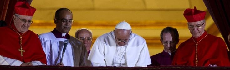 pape françois balcon élu
