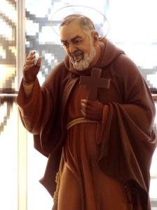 PADRE PIO BR-Statue-Padre-Pio-3-sept-2013