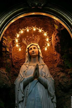 Marie couronne étoile 515723f7b4d136be4cbea880dbe05660